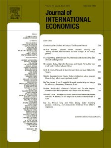 Financial policy and speculative runs with a crawling peg: Argentina 1979-1981